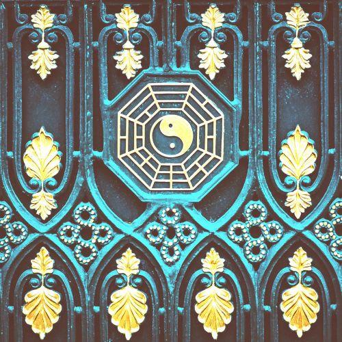 yin-yang-balance-libra-zodiac-astrology-washed